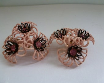 Vintage Retro Flower Earrings Pink Retro Flower Earrings with Black Trim and Pink Rhinestones Clip on Earrings