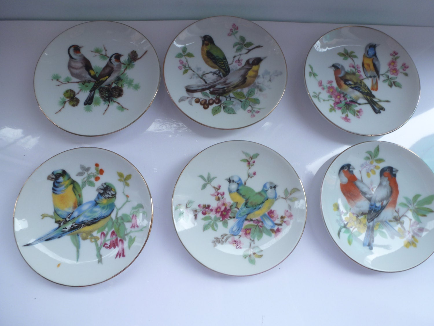 Vintage plates decorative hanging plates with bird for Decoration plater
