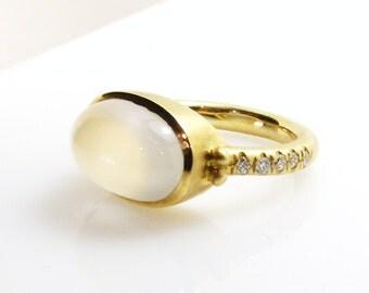 Moonstone ring .