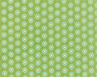 Lil' Red Spinning Tulips in Leaf Green, Stacy Iest Hsu, 100% Cotton, Moda Fabrics, 20505 15