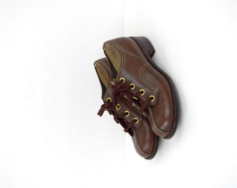 Vintage Ticos brown leather saddle shoes / lace up brogues / retro oxfords