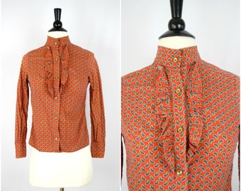Vintage red paisley ruffle front blouse / retro button down top