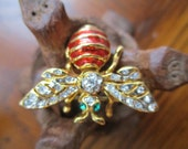 Vintage BEE Enamal and Clear Crystal Brooch