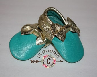 Wow!  TURQUOISE With a Sprinkle of GOLD BOWS Moccasins 100% genuine leather baby moccasins Mocs moccs