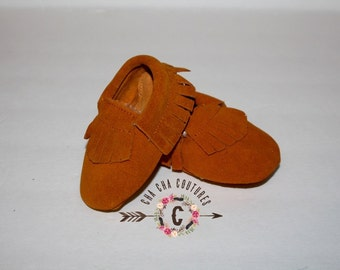 Wow! SUEDE Brown FRINGES Moccasins 100% genuine leather baby moccasins Mocs moccs