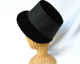 Vintage Ladies Hat Black Velvet Bucket Hat