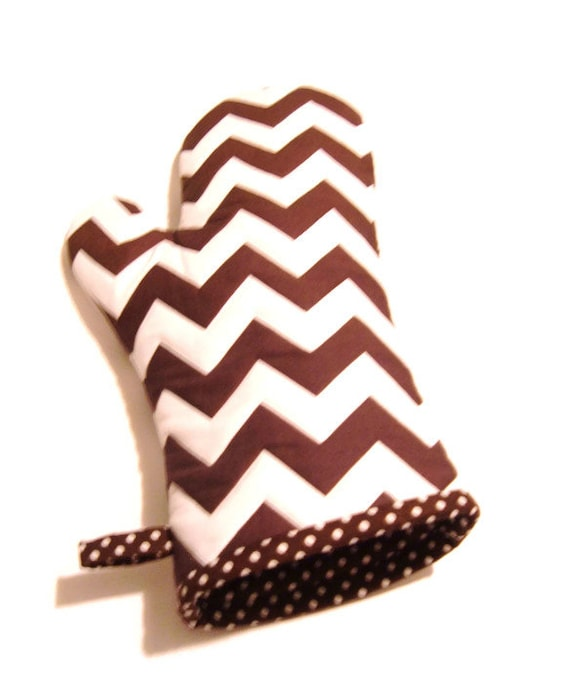 Oven Mitt  - Brown and White Chevron - Gift Under 20 - Gift for Foodie - Gift for Dad