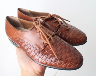SIZE 6M Womens Vintage Brown Genuine Leather Trotters Woven Lace Up Oxford Shoes New Old Stock