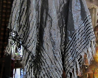 "Large Silver&Black Bright ""Wet Look"" Shawl / Wrap, with Shiny Weave Fringes, Vintage"