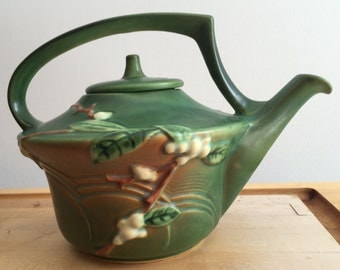 Roseville Pottery Teapot - Excellent Condition - 1940s - Green Snowberry