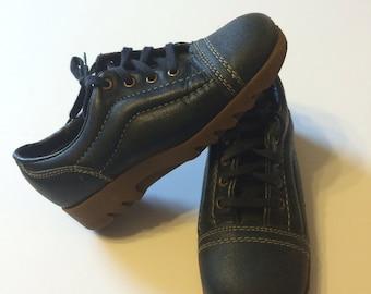 Vintage 1970's Navy Jumping Jacks Kids Shoes (9.5)