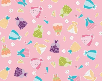 04472 - Riley Blake Dream a Wish C4814  Dresses in pink cotton   fabric- 1 yard