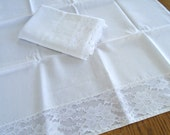2 White Lace pillowcases / Set Of 2 / Crisp White Cases / White Bedding / Shabby Chic / Victorian Bedding / French Country / Romantic