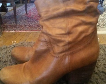 Saddle Brown broken in cowgirl boots, size 10.
