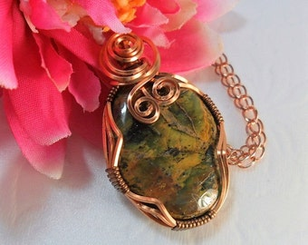 Wire Wrapped Agate Pendant - Copper Square Wire - Shades of Green and Gold in the Stone - by ChicArtistique