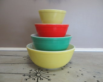 Vintage Pyrex Primary Pyrex Vintage Bowl Set Mixing Bowl  Pyrex Serving Bowl Vintage Kitchen Glass Mixing Bowls Colorful Pyrex