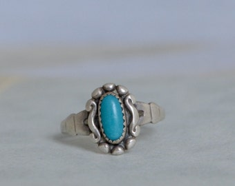 Vintage Bell Sterling Turquoise Ring - Size 4.75