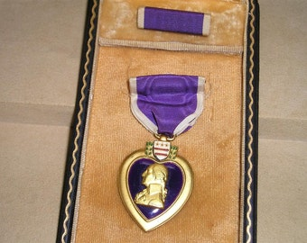 Vintage World War Two Engraved Purple Heart Meadal With Box 1940's Jewelry