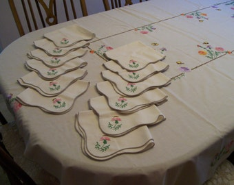 Embroidered Floral Napkins Vintage 12 Available