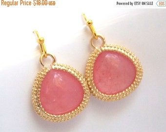 SALE Coral Earrings, Peach Earrings, Glass Earrings, Pink, Bridesmaid Jewelry, Gold, Bridesmaid Earrings, Bridal Jewelry, Bridesmaid Gifts
