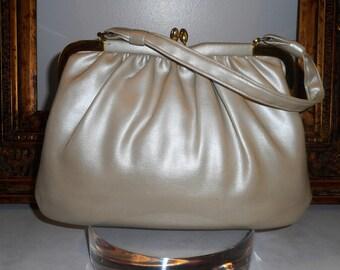 Vintage 1970's Beige Vinyl Handbag