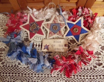 Primitive Country Raggedy Tattered Patriotic Americana Rag Swag GARLAND with STARS Skirting Wrap Drape (RWB-03)