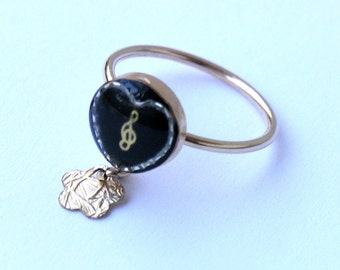 Gift for musicians, Treble clef ring.  Music ring. Music lover gift, . Heart ring. Charm ring.
