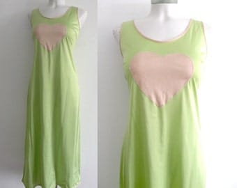 70s Green and Pink Heart Night Gown - M to L