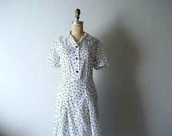 Vintage 1940s dress . white 40s floral dress