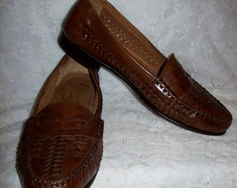 Vintage Men's Brown Woven Leather Loafers Slip Ons by Giorgio Brutini Size 7 1/2 Only 12 USD