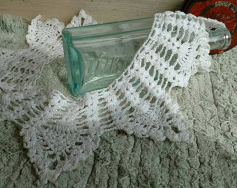 Antique Crocheted Lace Collar - Vintage Preppy Bright White Lace Collar, Clothing Accessories, Handmade Lace, Ladies Lace Collar, White Lace
