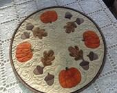 Pumpkins and Acorns, Fall Decorator Circle 0519-04