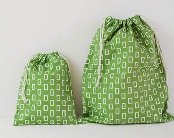 "Set of 2 Fabric Drawstring Bags (7x9"", 11x14"") / Green Geometric"