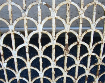30 ft of vintage antique 1920s ART DECO architectural iron VENT grate wall art pick up only