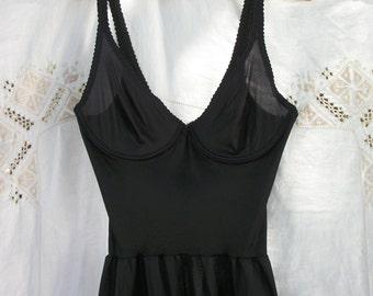 Solid Black Vintage Olga FULL Slip ~ Feminine ~ Under-wire style Top ~ 34B ~ Lace trim