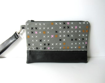 Gray geometric clutch | Faux leather zipper bag | Gray wristlet | Geometric bag | Cosmetic bag | Zipper pouch