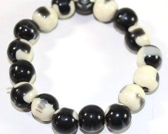 Black and White beaded elastic bracelet