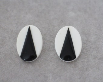 Vintage 1980's Earrings - Black and White Earrings - Oval Earrings