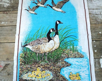 Canada Geese tea towel, kitchen towel, crisp and vibrant, Eleanor Paine, Skemo