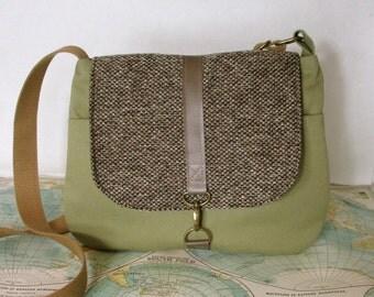 Milwaukee // Crossbody messenger bag // Adjustable strap // Vegan purse // Travel purse // Made to order