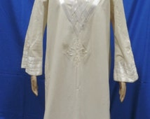1970s Josefa Caftan Maxi Dress Embroidered Loungewear Wedding Gown Womens Natural Color Cotton