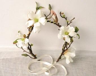 Magnolia Wedding Crown Branch and Twig Headpiece Rustic Floral Head Piece Wedding Hair Piece Racing Fashion Headwear Flower Garland Headband
