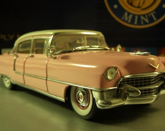 Elvis Presley Pink 1955 Cadillac Fleetwood Model Car / 1:24th Scale Die Cast