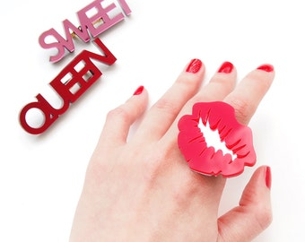 Kiss Statement Ring