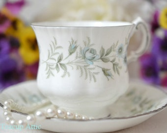 Paragon Debutante Teacup and Saucer, English Bone China Teacup Set, Wedding Gift, Tea Party,  ca. 1963
