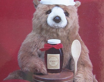 ON SALE Teddy Bear Postcard  -  Cooking with honey - Vintage 1980s