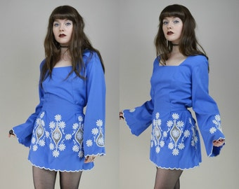 60s Blue White Embroidered Bell Sleeve Tie Back Babydoll Dress M