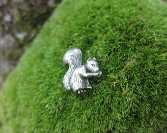 Squirrel Lapel Pin - CC499- Woodland Animals and Bushy Tailed Critter Pins