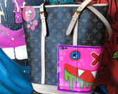 Beautiful LV hand painted bucket handbag , by graffiti street artist from Miami