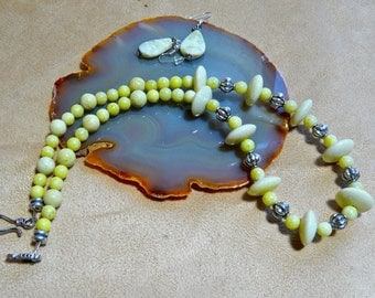 21 Inch Yellow Lemonflower Jasper Necklace with Earrings